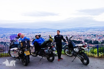 Pete, Marco and The Wolf ignoring a stunning view of Quito