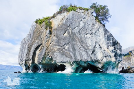 The Capillas de Mármol (The Marble Chapels) An astonishing series of marble formations in Lago Gral Carrera