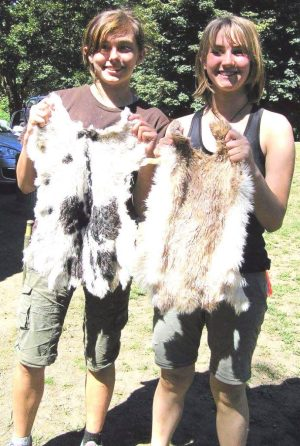 Apprenticeship graduates Heather Carmichael and Wren Schmid at the 2016 Ancient Archers & Artisans traditional technologies training.
