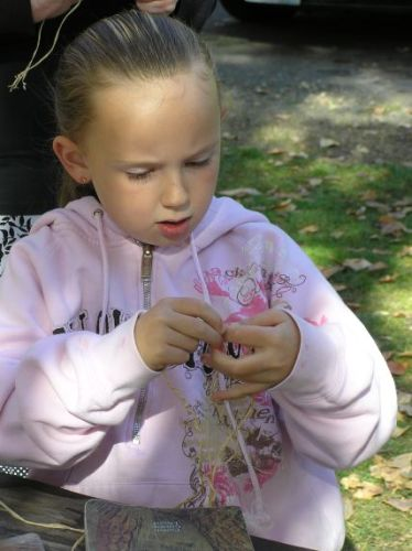 Ellensburg Homeschool Class Learns to Make Rope from Stinging Nettle, Cottonwood Bark and Other Plants