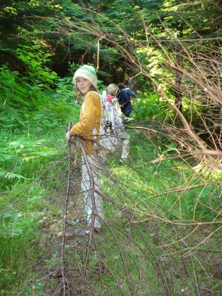 Opportunistic Survivalist gathers wood; Notice her 10 essentials!