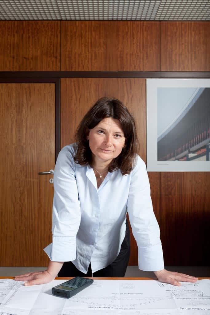 Fotoshooting für Corporate Publishing Magazin Bilfingers World, Frau Stelzer, Linz Fotograf