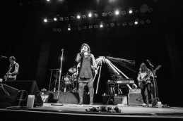in the scene-ann wilson-of-heart-indie rock-music legend-music-indie-indie music-live music-mitchell straub-music blog-indie blog-wolf in a suit-wolfinasuit