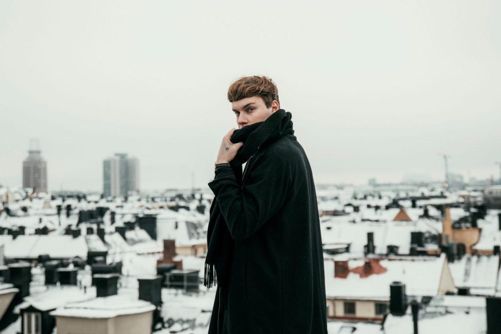listen-moment-by-mountain bird-ft-lara-Sweden-indie music-indie pop-new music-music blog-indie blog-wolf in a suit-wolfiansuit-wolf in a suit blog-wolf in a suit music blog