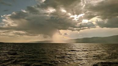 Schiffahrt im Kleinen Meer - Sturm aus dem Sarma-Tal