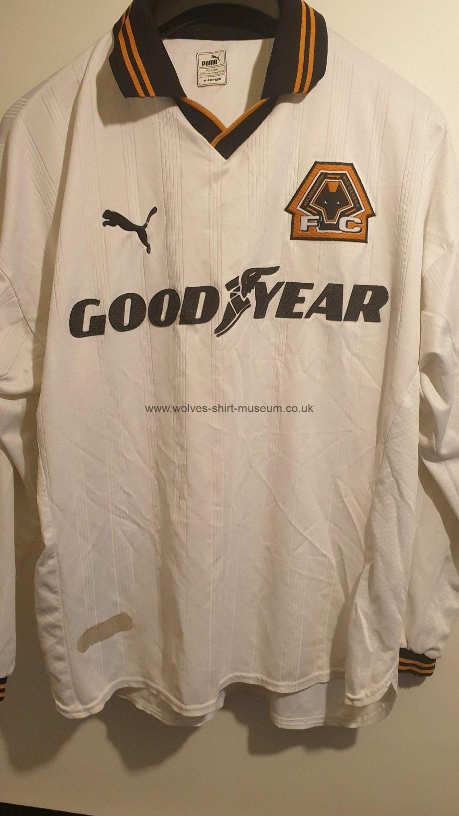 1999-2000 away shirt by Puma - front