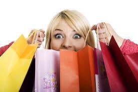 Покупка женской одежды и обуви: как обновить гардероб без ущерба семейному бюджету?