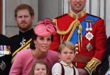 Принц Уильям и Кейт Миддлтон с детьми посетили парад в честь дня рождения королевы Елизаветы