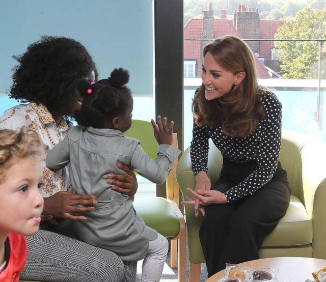 Кейт Миддлтон посетила центр здоровья и развития детей