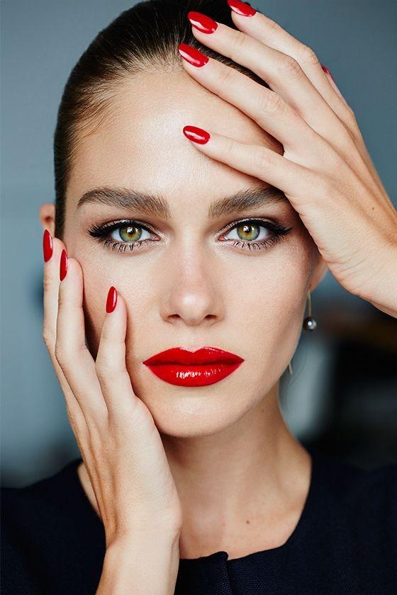 Βραδινό μακιγιάζ: 12 εντυπωσιακά μακιγιάζ για τις γιορτές