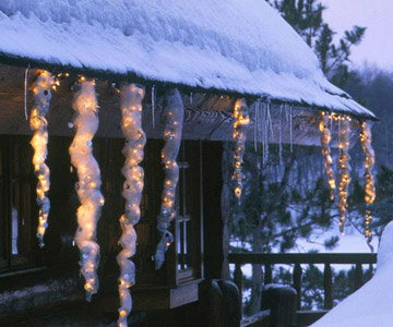 Hanging-Icicles-Outdoor-Homemade-Christmas-Decoration