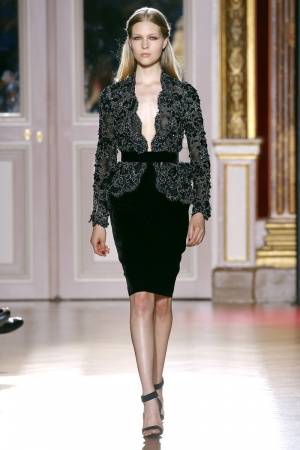 2012-07-04-19-16-37-zuhair-murad-fall-winter-2013-050