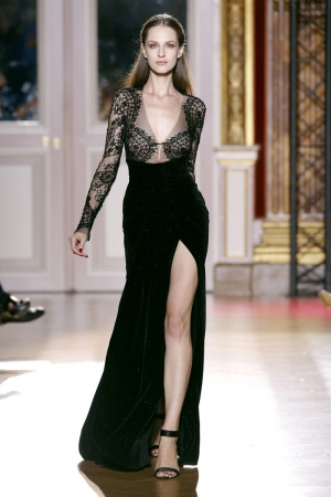 2012-07-04-19-17-42-zuhair-murad-fall-winter-2013-054