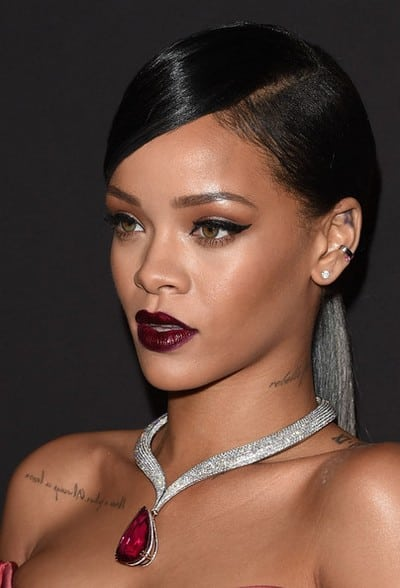 Rihanna+Makeup+Dark+Lipstick+2MYAIoOI2zFl