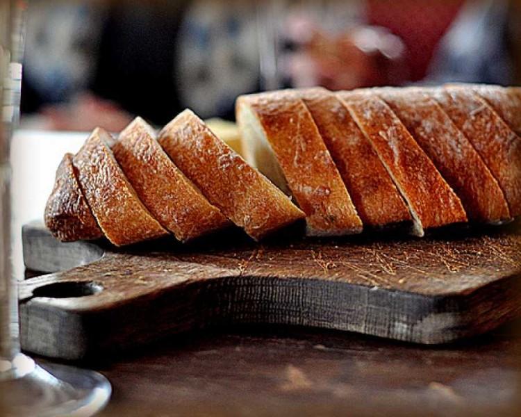 αποθηκευστε το ψωμι στην καταψυξη μεχρι να το χρησιμοποιησετε ξανα