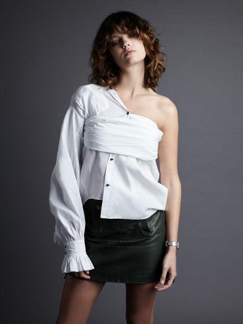 7 τρόποι να φορέσεις το λευκό πουκάμισο αλλιώς