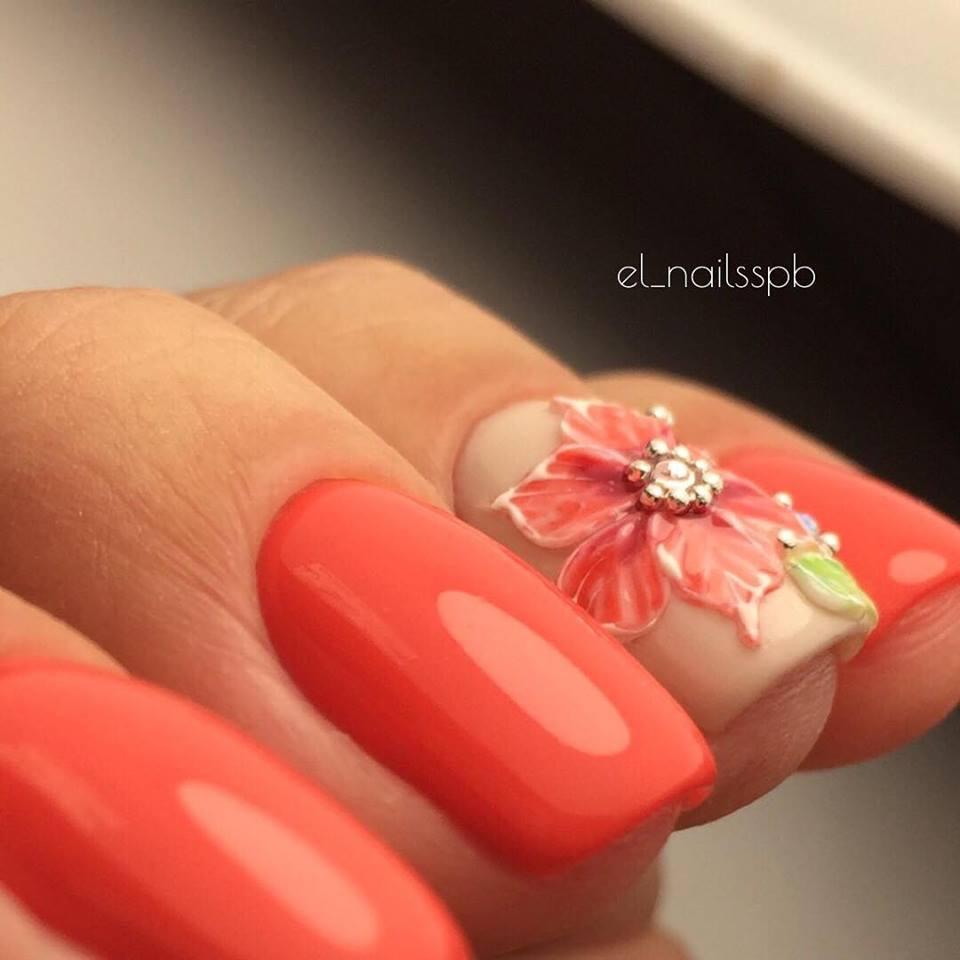10 Ιδέες σε Σχέδια Νυχιών με Λουλούδια για την Άνοιξη