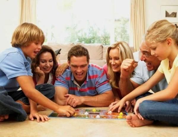 Επιτραπέζια παιχνίδια για μικρούς και μεγάλους