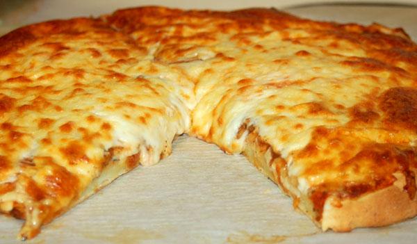 πίτσα με τυριά