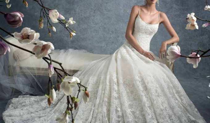 "1f32e99433e4 Τα Ωραιότερα Νυφικά   Βραδινά Φορέματα Διάσημων Σχεδιαστών στο ""Wday"""