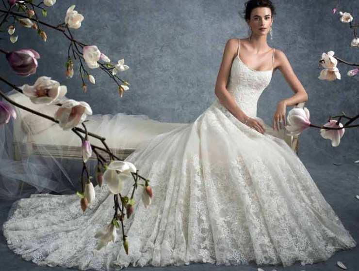 """dd44fad3573f Τα Ωραιότερα Νυφικά & Βραδινά Φορέματα Διάσημων Σχεδιαστών στο """"Wday"""""""