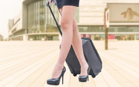 """Ψηλοτάκουνες Γόβες & Κιρσοί: το """"Τίμημα"""" της Γυναικείας Γοητείας"""