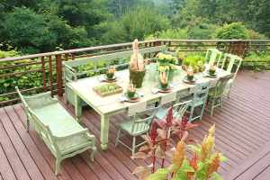 d35cf__Outdoor-table-setting-with-garden-style