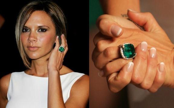 victoria-beckhams-emerald-ring