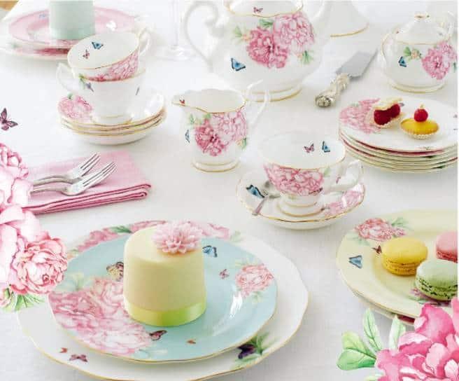 Miranda-Kerr-Royal-Albert-Tea-Cup-Collection-Table-Setting