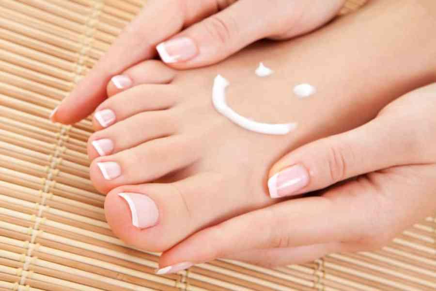 healthy pretty feet
