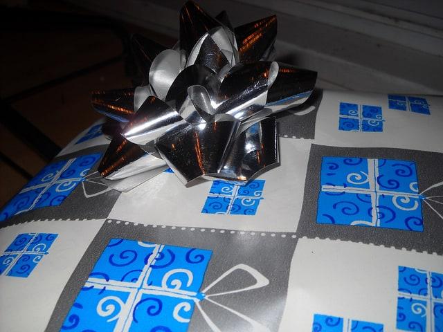 present-gift-woman
