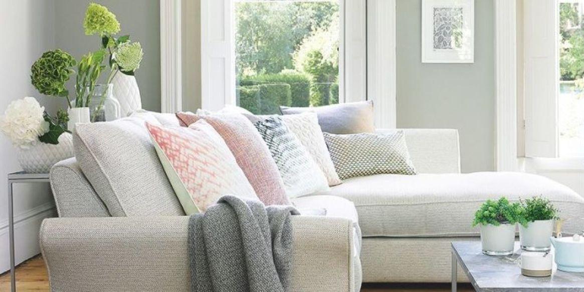 living room autumn decor