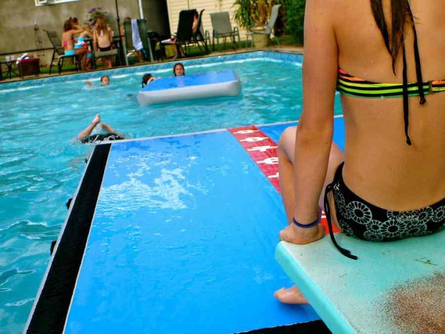 pool-family-backyard