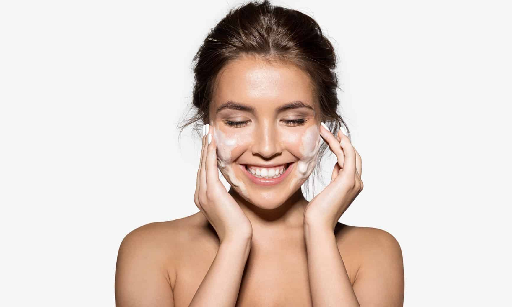 How to Hydrate Your Skin: The Top Tips to Know