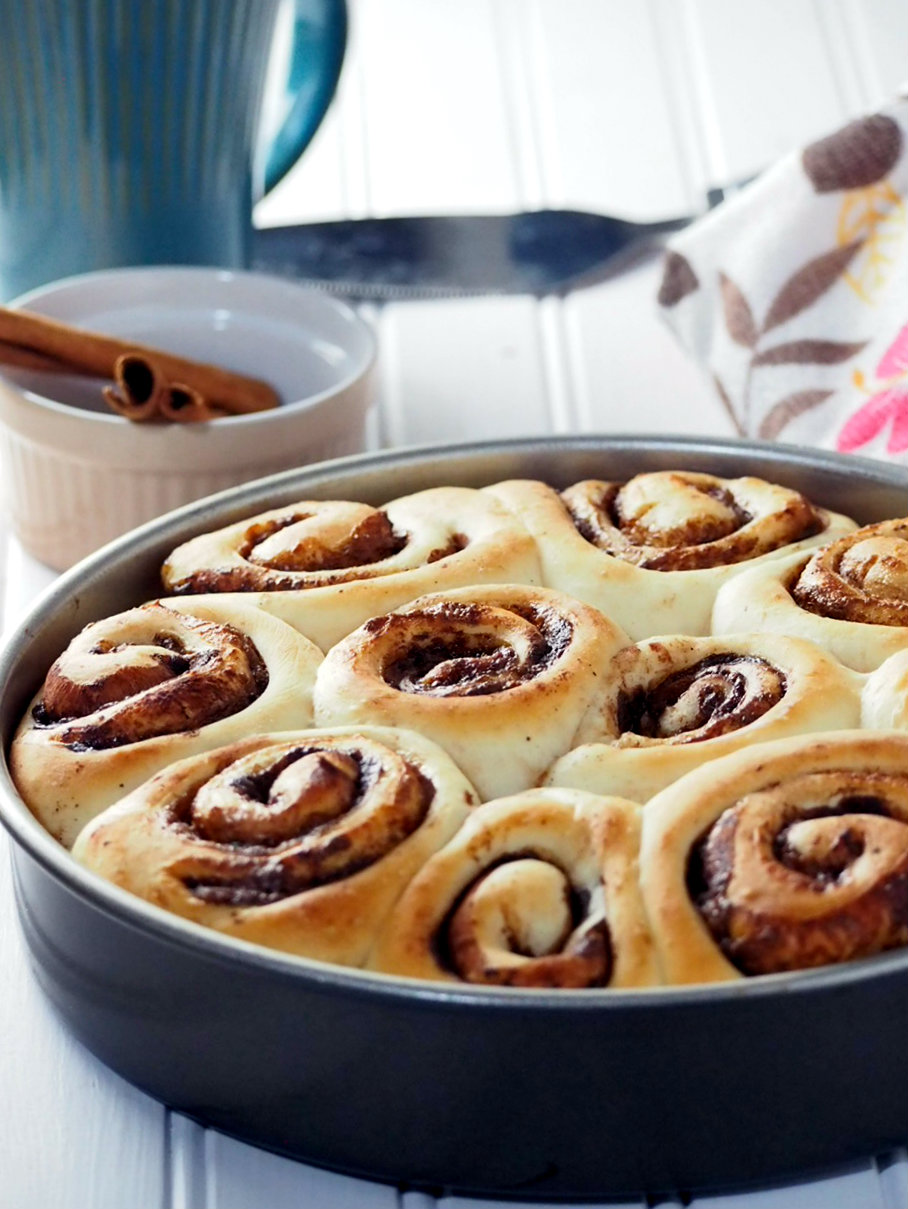 Soft, tasty bread filled with Hazelnut spread and cocoa powder, these Chocolate Hazelnut Rolls use a dough recipe that needs only one rise, and easy enough for bread beginners to do.