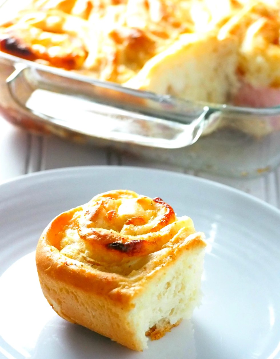 Flavorful, soft and garlicky ham and cheese rolls to fill you up at breakfast, lunch or snack time.