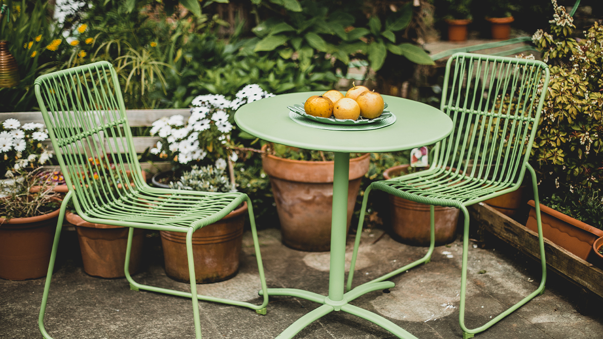 how to remove rust from patio furniture