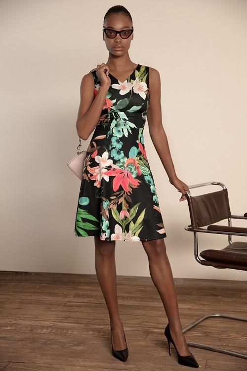 שמלה שחורה עם פרחים צבעוניים של GOLBARY
