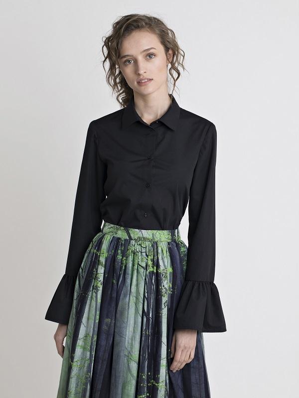 בגדים של המותג REZO