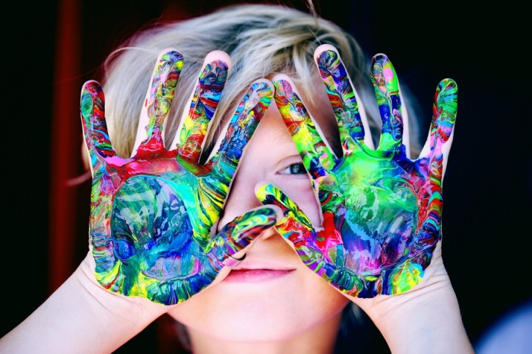 כיצד צבעים משפיעים על ילדים