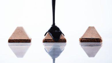 מוס אגו שוקולד מריר 60% על עוגייה