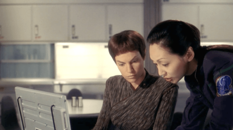 "T'Pol and Hoshi in ""Vox Sola"""