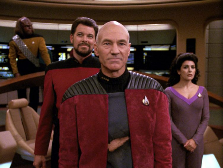 Picard on the bridge talking to the Tamarians