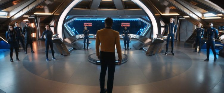 Pike bids goodbye to the Discovery crew