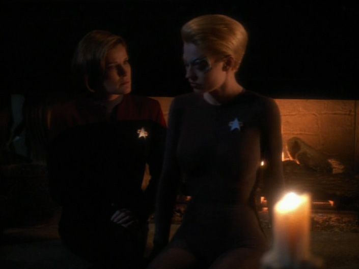 """Janeway and Seven talk in """"The Omega Directive"""""""