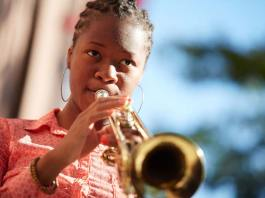 Top 10 Brass Instrument Health Benefits, disadvantages of playing trumpet, benefits of playing flute, benefits of playing an instrument, how playing an instrument benefits your brain, health benefits of playing an instrument, how does playing an instrument relieve stress, benefits of playing an instrument for adults, benefits of learning music,