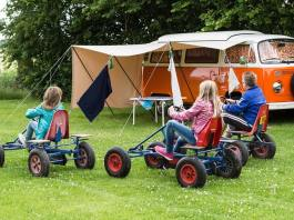 How Families Can Stay Fit While Glamping, best camping activities, best glamping gear, luxury camping accessories, camping activities for adults, camping activities for youth, cheap glamping accessories, glamping equipment list, glamping gear 2017, glamping resorts near me, the resort at paws up glamping, glamping websites, glamping resorts california, under canvas moab glamping, dunton river camp glamping, the ranch at rock creek glamping, beach glamping east coast,