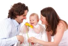 Ways To Be Intimate After Having A Baby, pleasing husband after childbirth, lack of intimacy after baby, how to please my husband sexually after giving birth, manual stimulation after childbirth, postpartum intimacy issues, how to keep the romance alive after having a baby, intimacy after c section, how to please husband during postpartum,