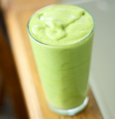 Mango spinach smoothie