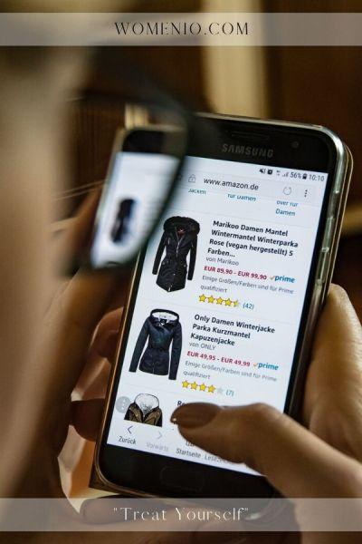 Shopping-Online-Using-a-Cellphone-1